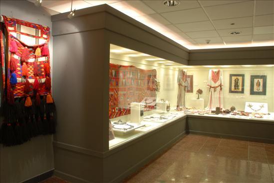 Collection Raaya El-Nimr and Abdel-Ghani Abou El-Enein